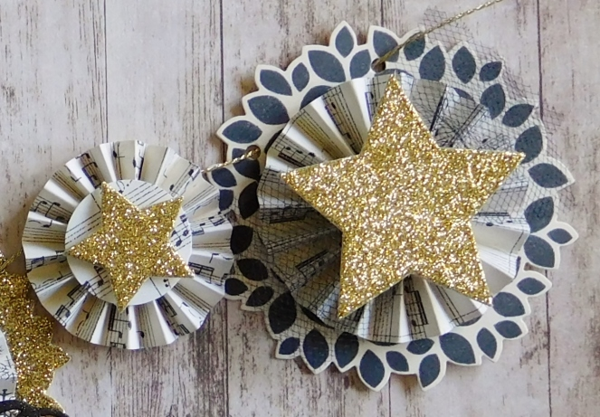 Little Paper Party, Mini Christmas Banner, large and small rosettes