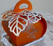 little-paper-party-curvy-keepsake-halloween-pumpkin-2