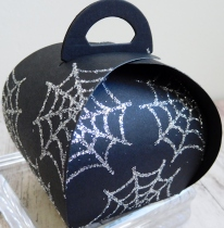 little-paper-party-curvy-keepsake-halloween-spider-web-2