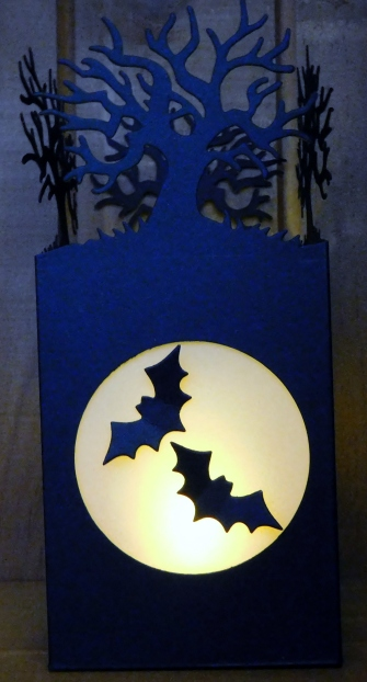 little-paper-party-halloween-scenes-edgelits-luminary-lit2