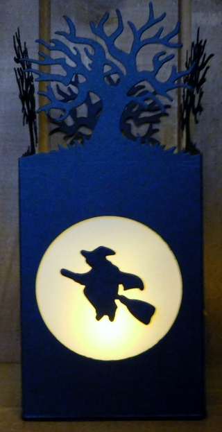little-paper-party-halloween-scenes-edgelits-luminary-lit3