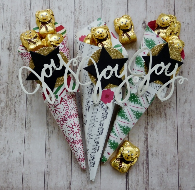 little-paper-party-this-christmas-dsp-wonderful-wreath-framelits-christmas-cone2